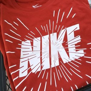New!! 🔸Nike Logo Tee Shirt 🔸